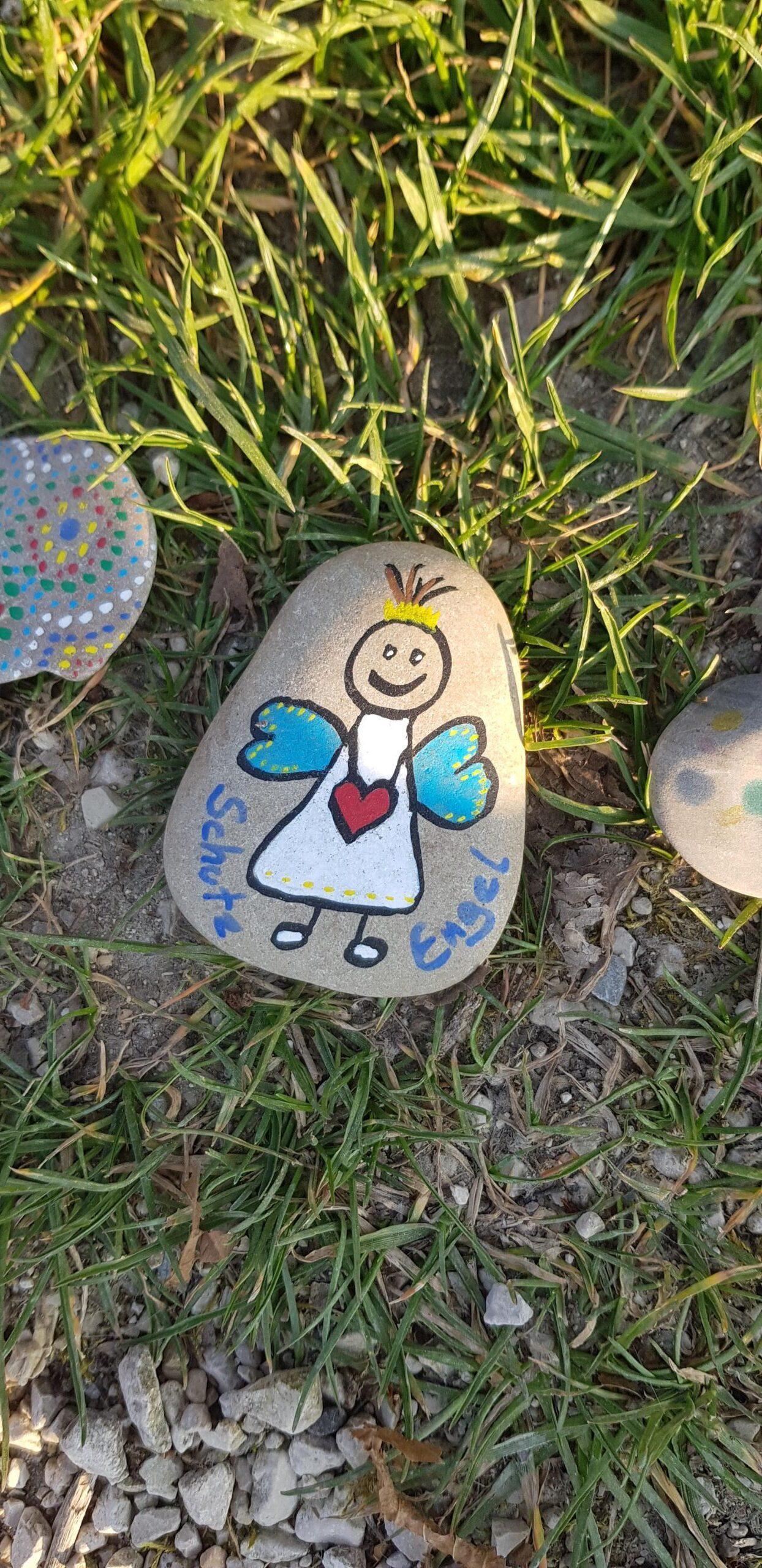 Schon Einen Stein Angemalt?
